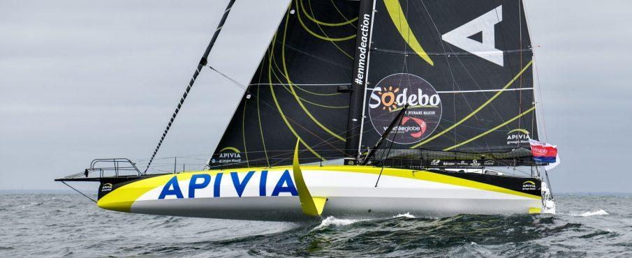 Le skippeur d'Apivia, Charlie Dalin, premier à couper la ligne du Vendée Globe